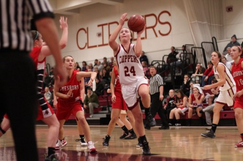 Lilly Donovan (17 points) gets in for two