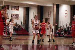 Mary Pettigrew (11 points) at the line