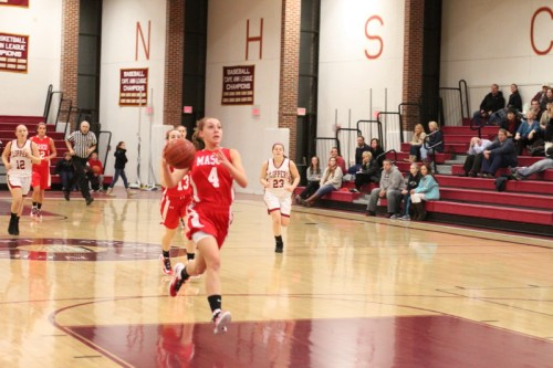 Nicole Femino (14 points) breaks in alone