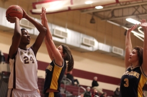 Samnell Vonleh (12 points) defended by Catherine Sweeney