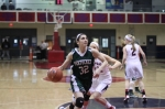 Tess Nogueira (11 points) sees an opening