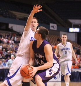 Vinny Clifford (11 points) guards David Longstreeth