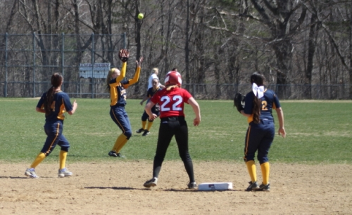 Fly balls gave Lynnfield trouble in the sixth inning.