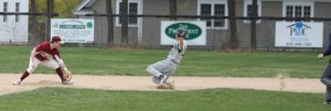Second baseman Brian Fiascone took Mike Sweeneys throw and waits for baserunner Craig Carter