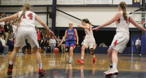 Aliza Simpson attracts three defenders