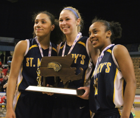 Brianna Rudolph, Jennie Mucciarone, and Sharell Sanders with D3 state title trophy