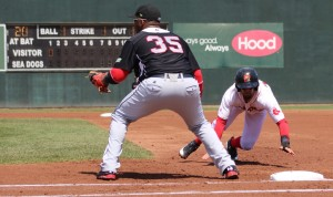 Deven Marrero dives back to first