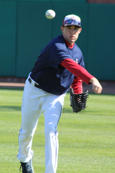 The top prospect of the Toronto Blue Jays (Aaron Sanchez) warms up