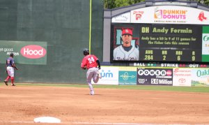 Andy Fermin in home run trot