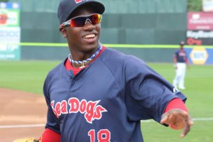 Rusney Castillo smiled but didn't sign