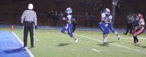 Ethan Carpenter finishes a punt-return touchdown