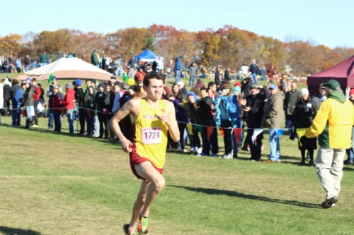Nick Carleo cruises home with the D5 title by 44 seconds