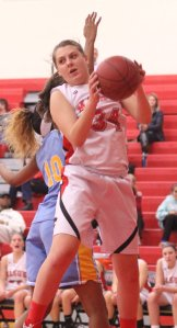 Taylor Iorfino (10 points) gets a rebound