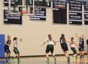 Camille Mihalchik (#22) hit several shots from the corner