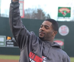 Malcolm Butler salutes the crowd