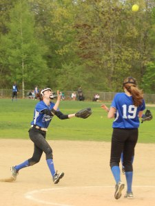 Running catch by shortstop Kylie Hayward