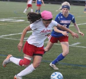 Nicole Alves tries to get past Gretchen McGrath