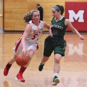 Taylor Moore guards Paige Amyouny