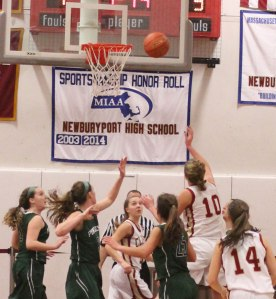 Emily Pettigrew (#10) gets inside for two of her fourteen points
