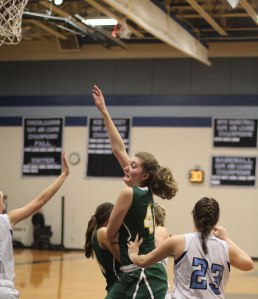 Jess Lezon looks for a pass