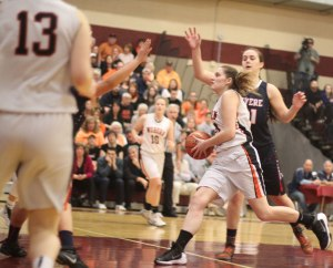 Mya Blazejowski zips to the hoop
