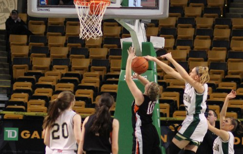 Lauren Manis blocks Kelsey Qualey's shot