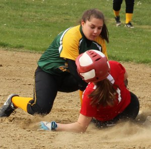 Hayley Catania caught stealing by shortstop Cassandra Pascucci