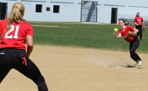 2B Lauren Fedorchak looks for the handle in the first inning