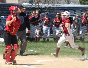 Emma Della-Volpe scores the first CC run