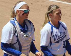 Aly LeBlanc drove in the go-ahead run while Madeline Wood pitched a 4-hitter