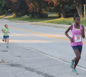 Sahtia Ellison (3rd female) and Amelia Bommer (4th female)