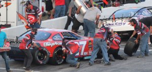 Wayne Helliwell pits for tires