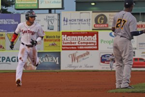 Yoan Moncada heads for third