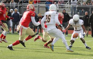 The ball falls away from intended receiver Samuel Laurent (1) late in the second quarter