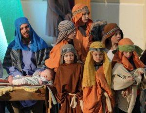 xhc-a12-shepherds-joseph-and-baby
