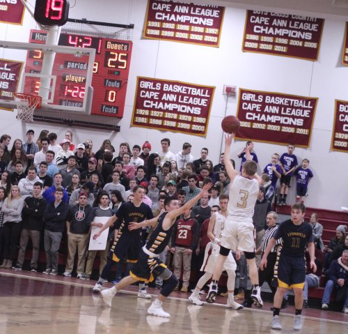 Nick Roger's step-back three gives Newburyport a 37-25 lead