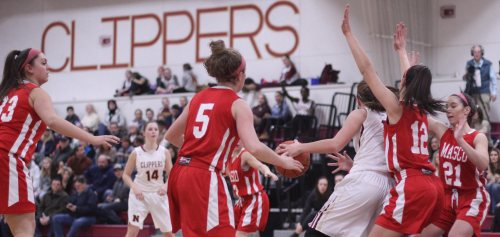 The Clippers had few openings inside against Masco